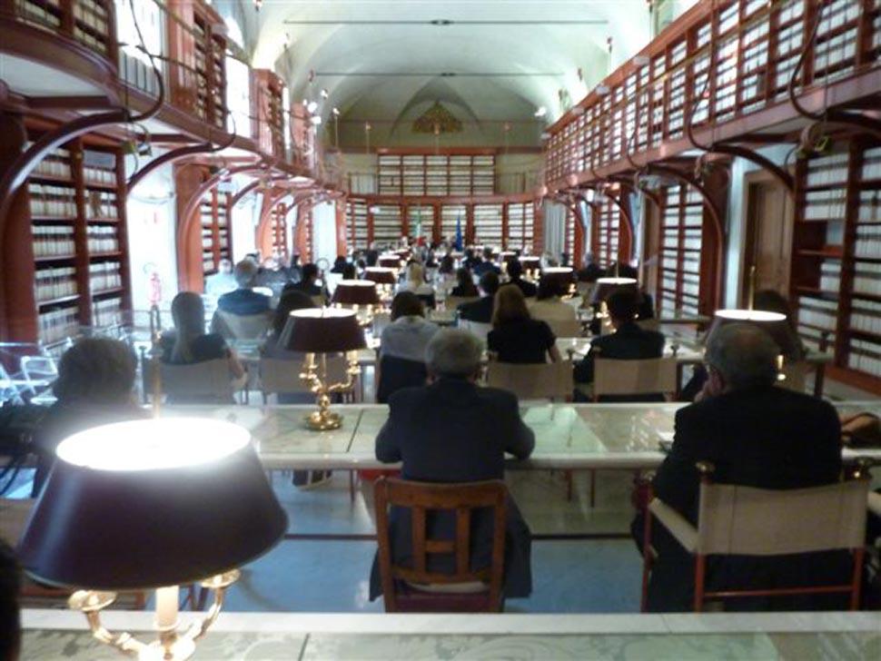 Roma presentazione libro alla biblioteca della camera dei for Camera dei deputati italiana
